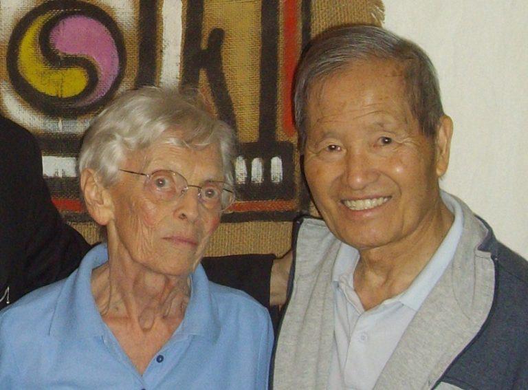 À la recherche de Huế : constitution du fonds Võ Quang à l'IAO